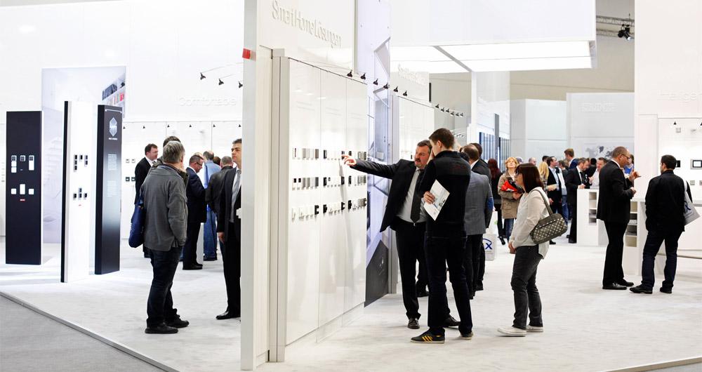 Свързаността и сигурността ще бъдат акцент на Light + Building 2018