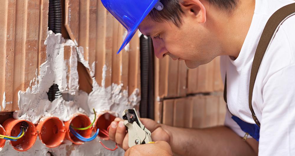 Защита на строителни работници от инциденти с електричеството
