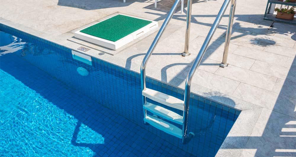 Електробезопасност на плувни и спа съоръжения