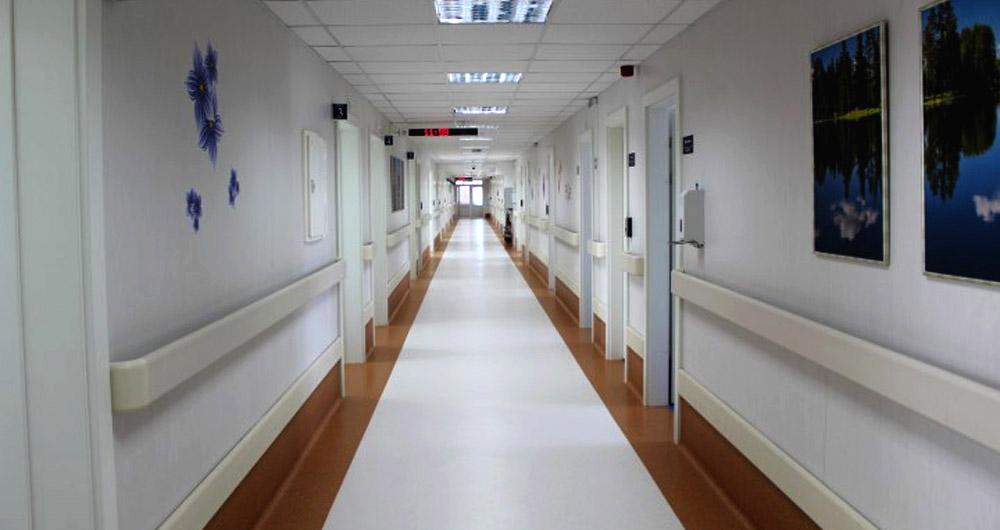 """Високотехнологичният медицински комплекс """"Уни Хоспитал"""" бе открит в Панагюрище"""