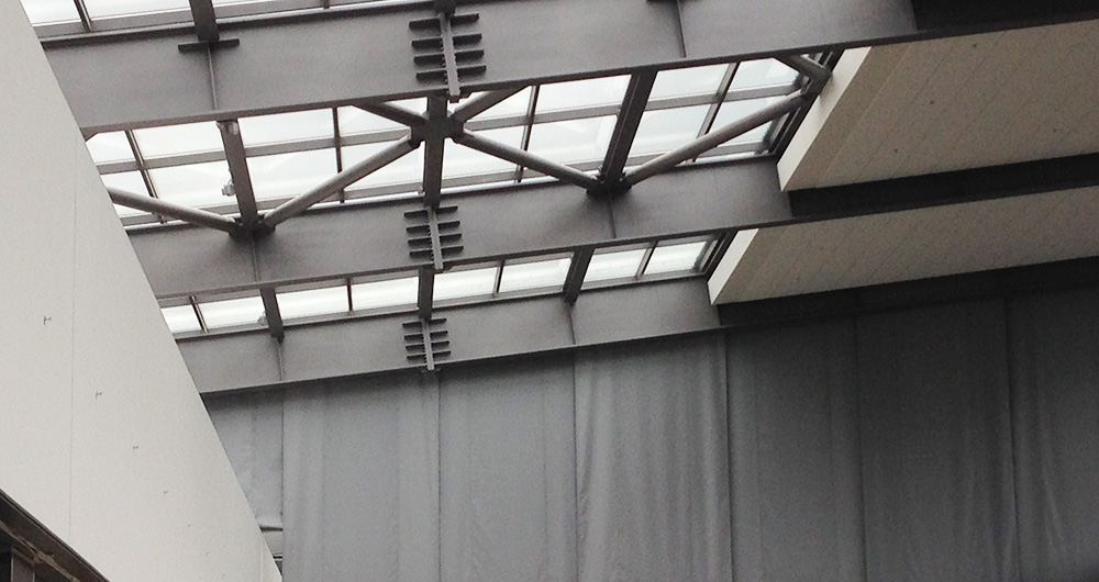 Самент: Инсталация на автоматични димни завеси в мола