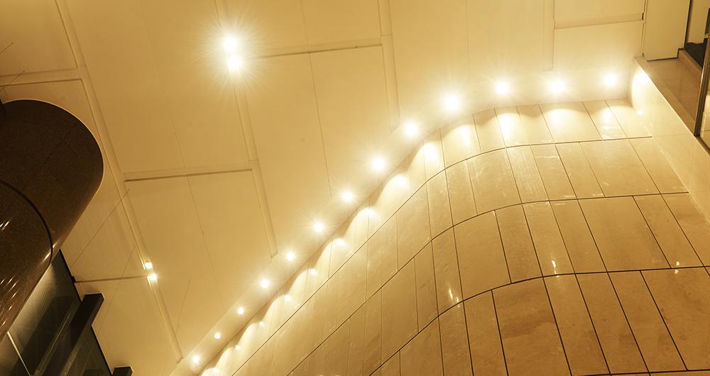 Оценка на LED осветлението в търговски сгради